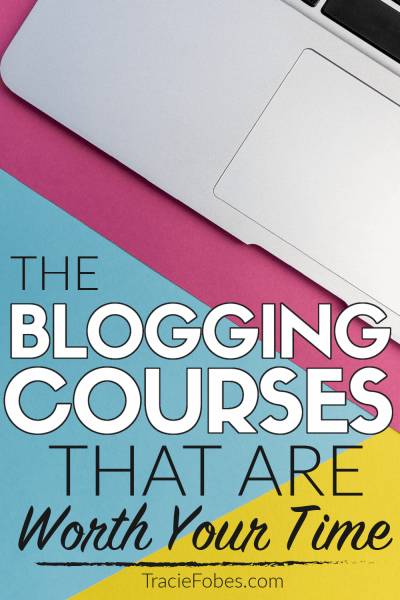 laptop on desk showing best blogging courses